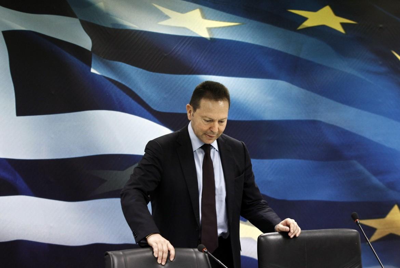 Il ministro delle finanze greco uscente Stournaras