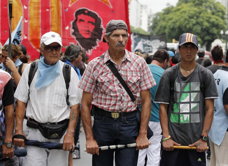 Manifestazione a Buenos Aires per chiedere l'aumento dei salari