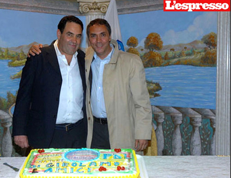 A destra, Gennaro Mokbel