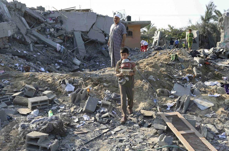 Una casa gazawi distrutta dall'aviazione israeliana