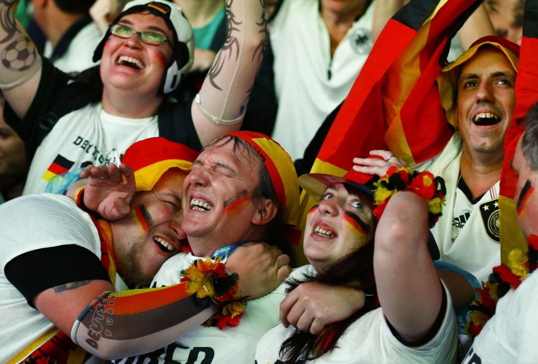 Tifosi tedeschi festeggiano a Berlino