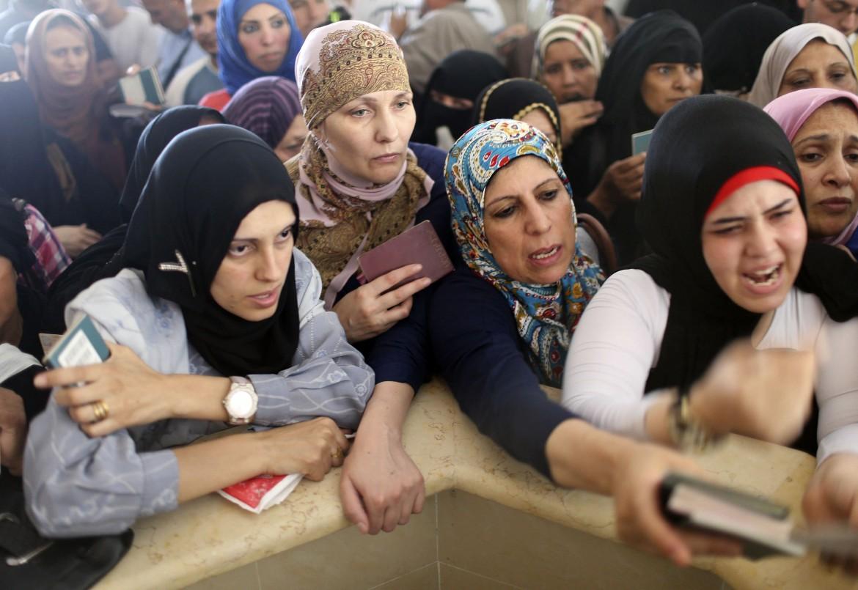 Palestinesi in fuga verso l'Egitto