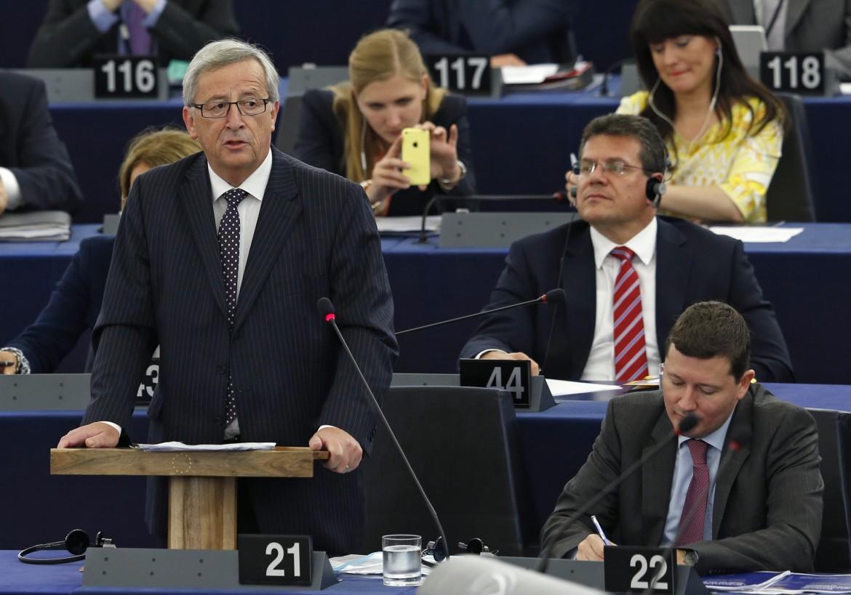 Jean-Claude Juncker riceve la fiducia dell'europarlamento