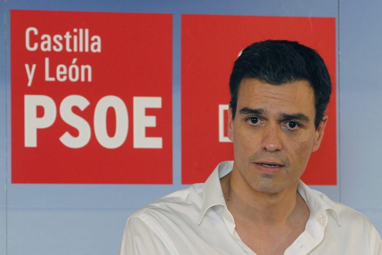Il neosegretario del Psoe (i socialisti spagnoli), Pedro Sánchez