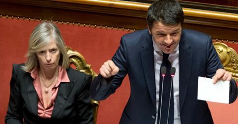 Il presidente del consiglio Matteo Renzi e la ministra dell'Istruzione Stefania Giannini