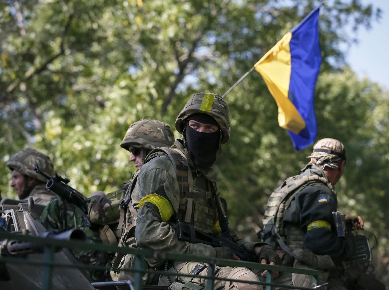Kramatorsk, tank e soldati ucraini