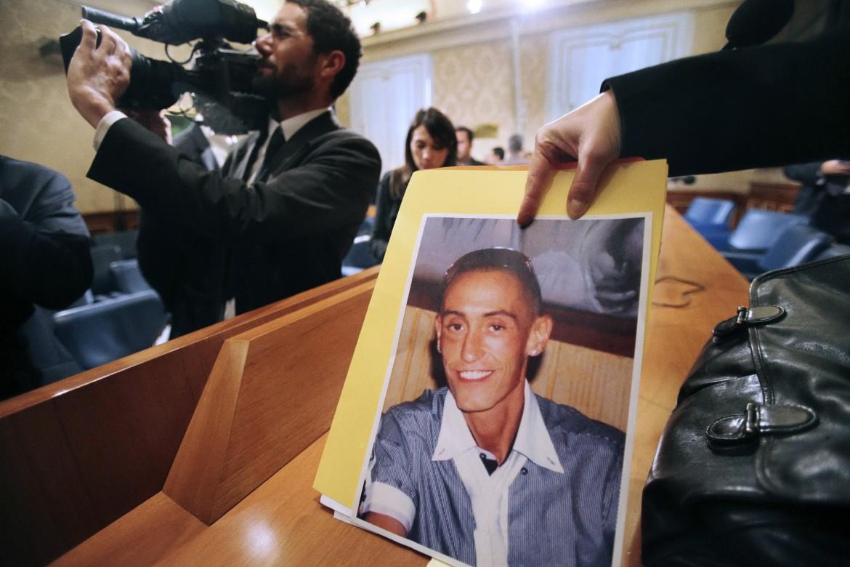 La foto di Stefano Cucchi mostrata durante il processo
