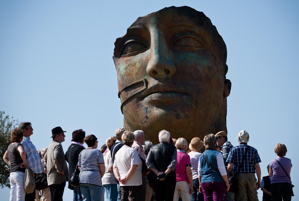 Tindaro, scultura di Mitoraj nella Valle dei Templi, ad Agrigento