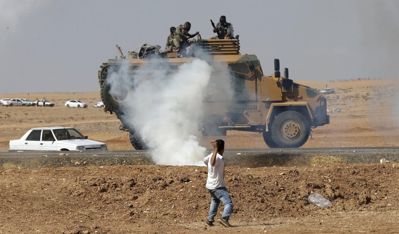 Scontri tra manifestanti curdi e forze turche