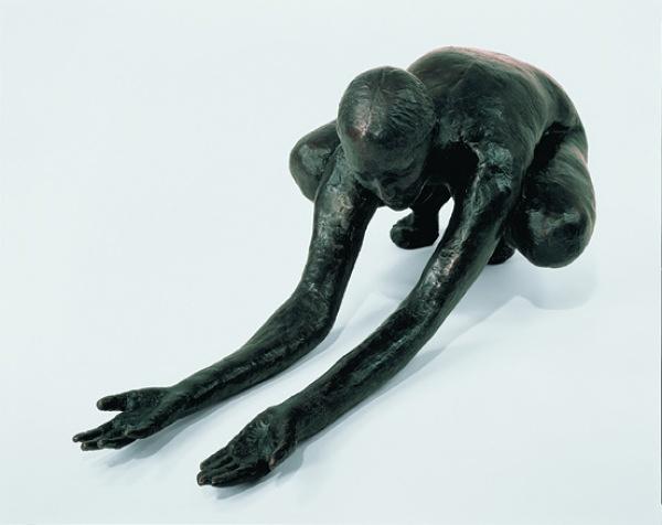 Una scultura di Kiki Smith