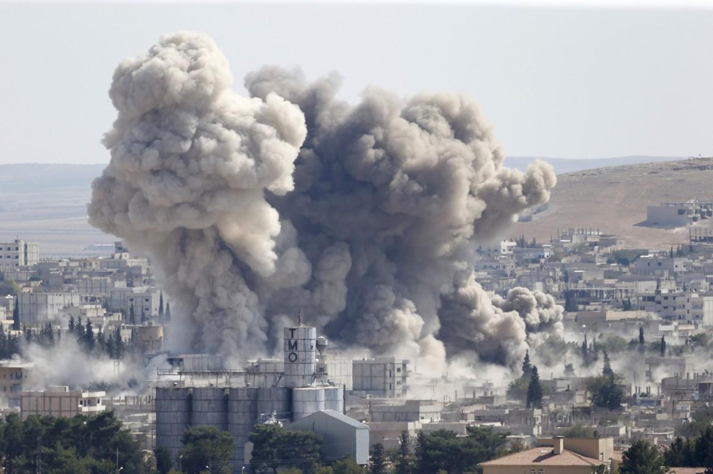 Bombe intorno a Kobani