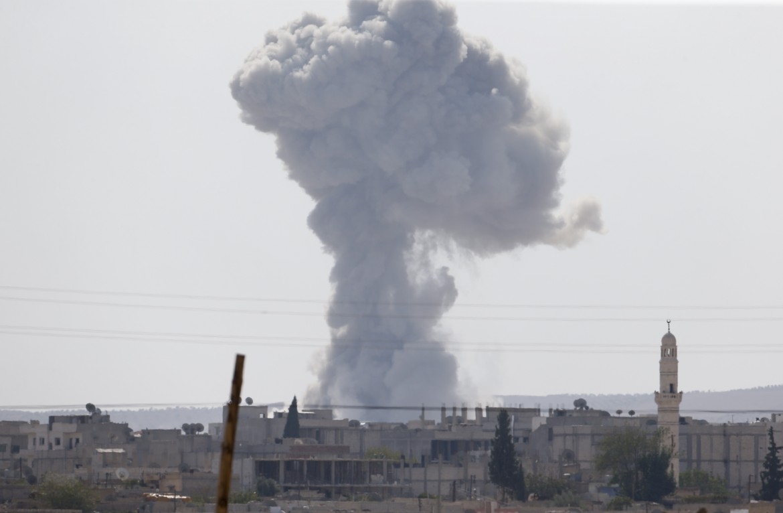 Bombardamenti della coalizione intorno Kobane