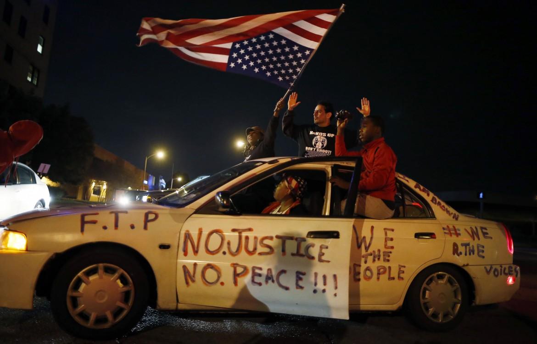 Proteste a St. Louis dopo  la morte del 18enne afro americano Vonderitt Myers Jr.