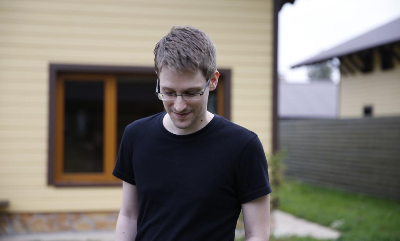Edward Snowden, sotto la regista Laura Poitras e il trailer del film