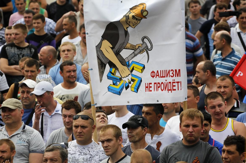 Una manifestazione di minatori ucraini