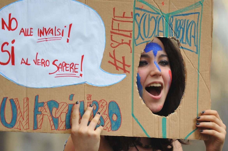Una protesta contro i quiz Invalsi