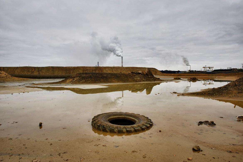 Rifiuti chimici tossici scaricati dalla fonderia di rame, Karabash, Russia, 2013