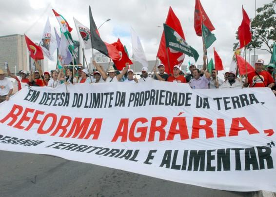 Brasile,  manifestazione per la riforma agraria