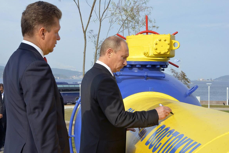 Putin presso una pipeline Gazprom