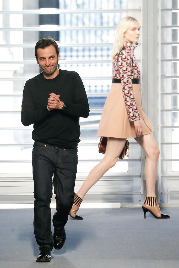 Nicolas Ghesquière, finale della sfilata Louis Vuitton