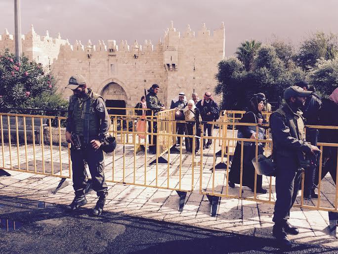 Gerusalemme, ieri alla Porta di Damasco (foto di Michele Giorgio)