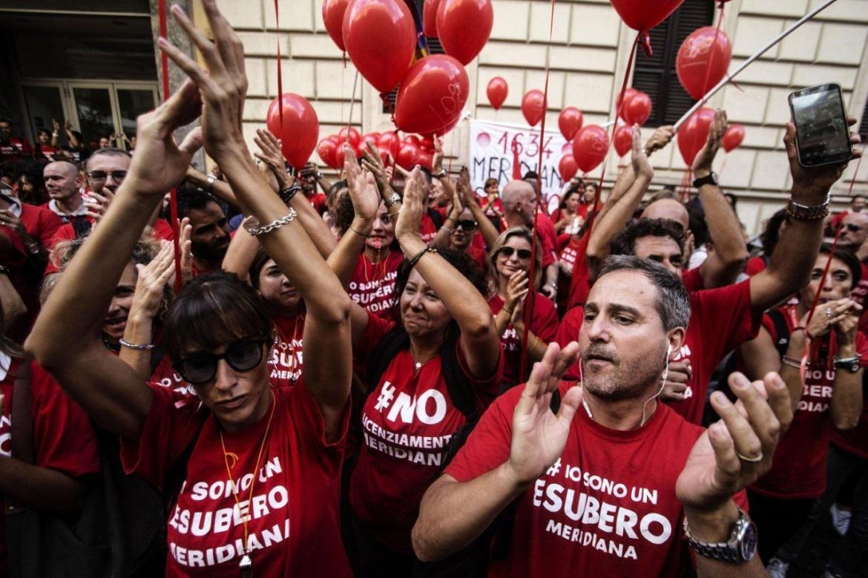 Olbia, la protesta dei lavoratori Meridiana