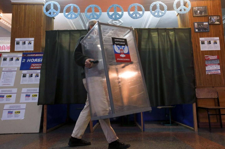 Voglia di pace e autonomia totale da Kiev: un seggio a Donetsk