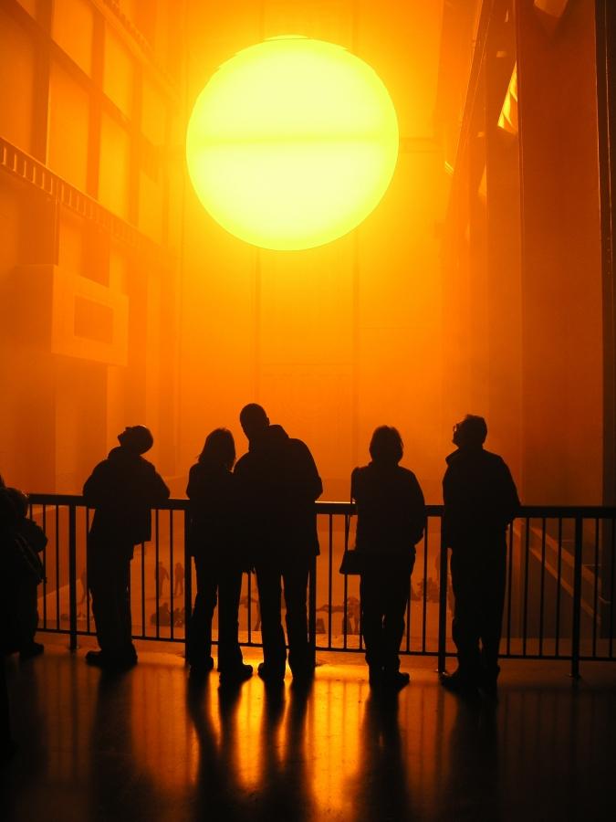 Olafur Eliasson, «The Weather Project» (2003), installazione alla Turbine Hall della Tate Modern di Londra