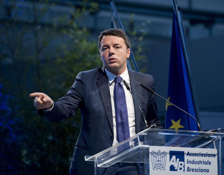 Matteo Renzi ieri all'Assemblea della Confindustria di Brescia