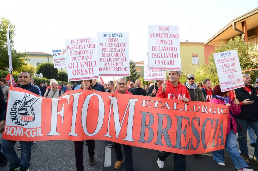 Il corteo delli operai Fiom di Terni, sotto Renzi all'Italcementi