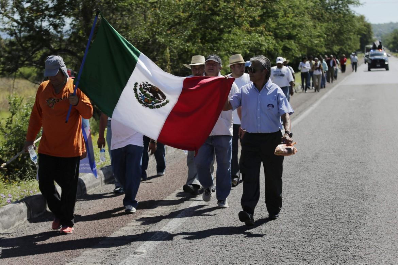 Guerrero (Messico), marcia per gli studenti scomparsi