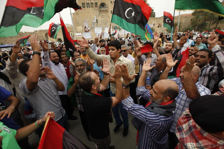 Festeggiamenti anti Haftar a Tripoli