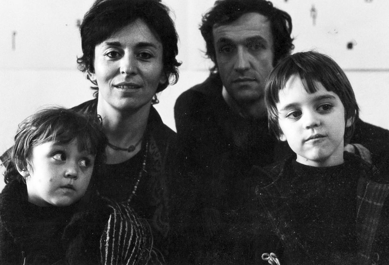 La famiglia Boetti, con Anne Marie Sauzeau, Alighiero Boetti, Matteo e Agata