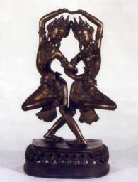 Coppia di divinità danzanti. uno dei tesori conservati nel museo nazionale d'arte orientale 'giuseppe tucci