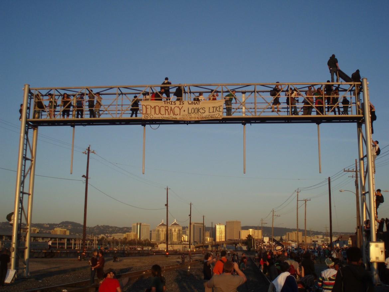 Oakland, lo sciopero dei portuali insieme a Occupy nel novembre 2011
