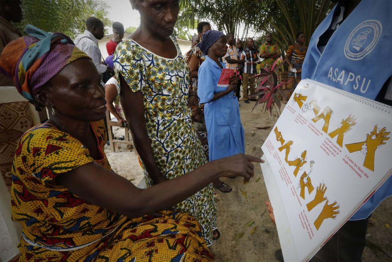 Un centro anti-Ebola sul confine Liberia-Costa d'Avorio