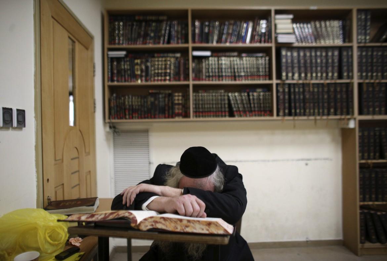 Lutto a Gerusalemme nella comunità ultra-ortodossa