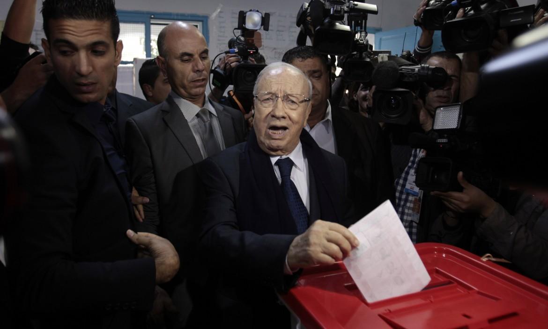 Béji Caid Essebsi al voto