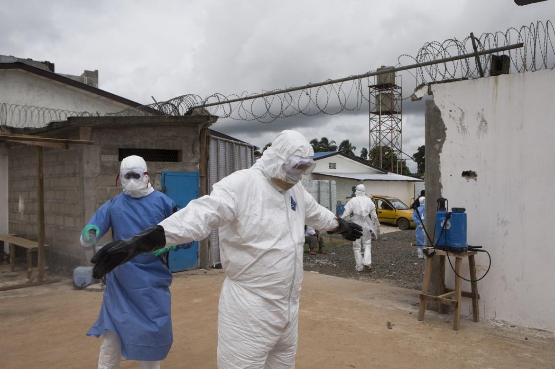 Un ospedale in Liberia durante la crisi ebola