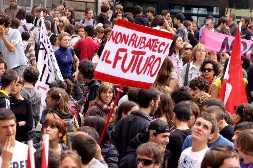 06pol1f01 giovani man_studenti futuro_no_gelmini9