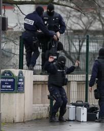 10desk1f01 francia polizia supermercato kosher strage charlie hebdo hxd