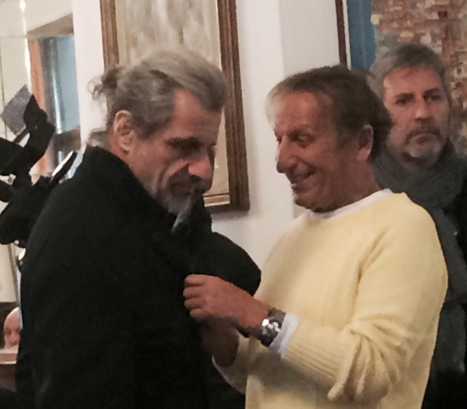 Alessandro Bergonzoni e Stefano Bonaga, fra il serio e il faceto, oggi a Bologna, servendo ai tavoli del Ristorante Diana