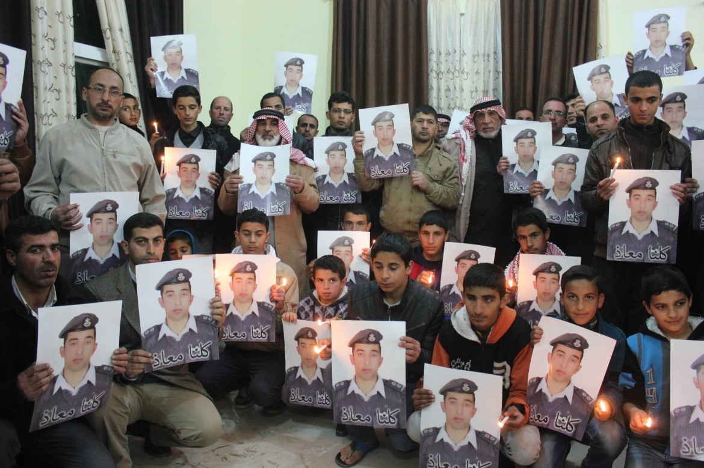 Manifestazioni per il pilota giordano Moath al-Kasasbeh