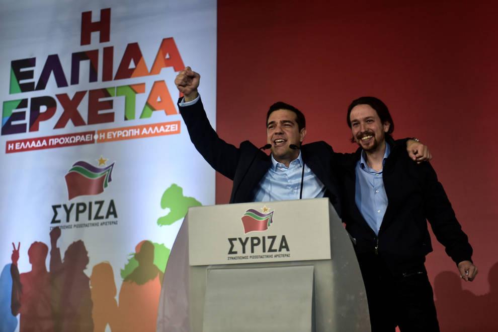 Tsipras e Iglesias sul palco della vittoria ad Atene