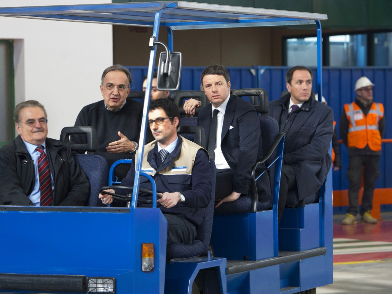 Una visita di Renzi e Marchionne in una fabbrica Fca