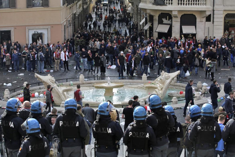 Piazza di Spagna, ieri