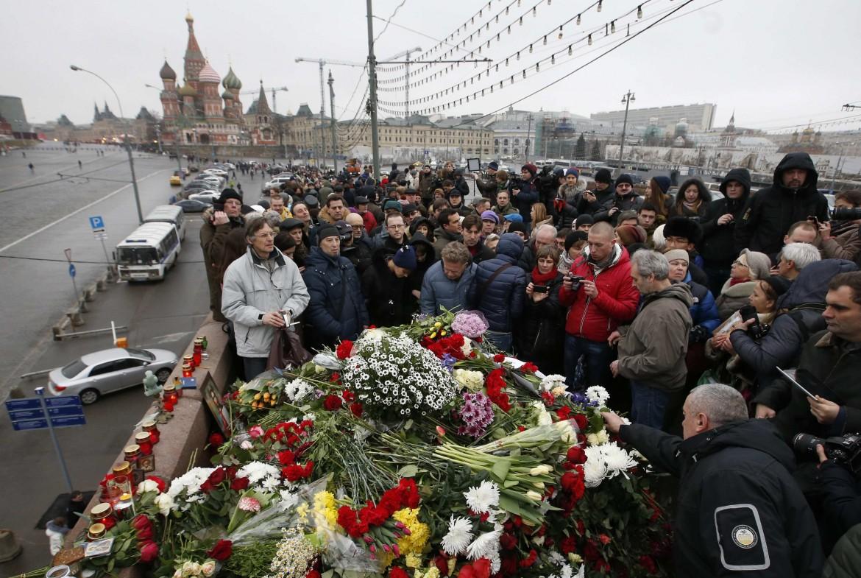 Mosca, ieri, il ponte su cui è stato ucciso Nemtsov