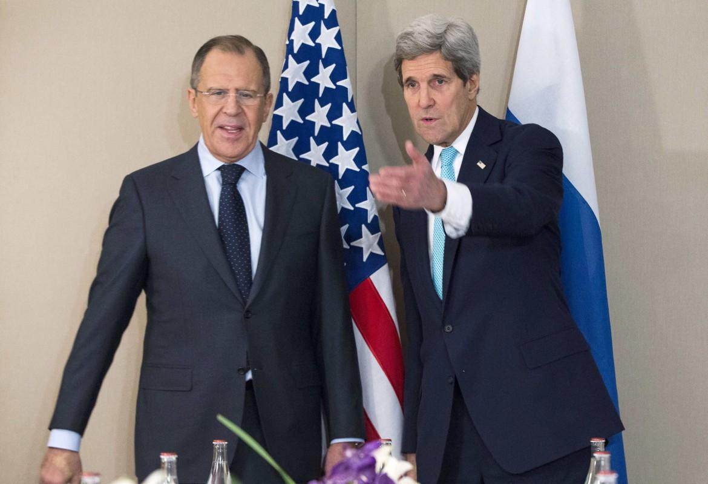 Il ministro degli Esteri russo Lavrov e il segretario di Stato Usa Kerry