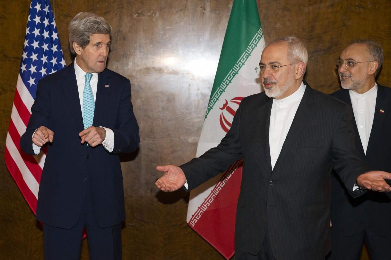 Il ministro Zarif con Kerry