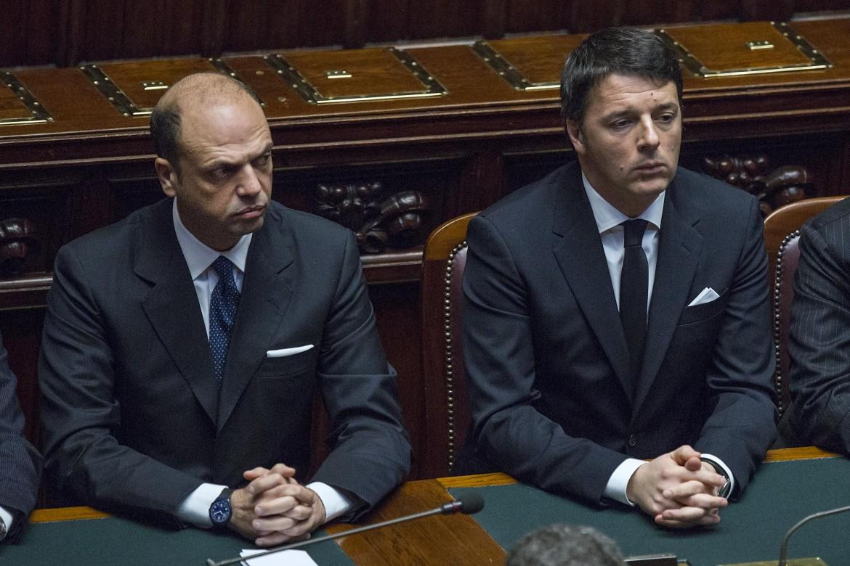 Alfano e Renzi sui banchi del governo